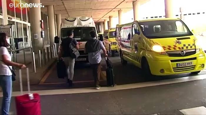 News video: Corona-Fall im Flugzeug nach Lanzarote - Passagiere in Quarantäne
