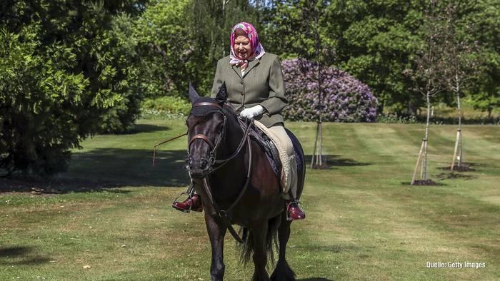 News video: Queen Elizabeth II.: Ausritt mit Fell-Pony während Corona