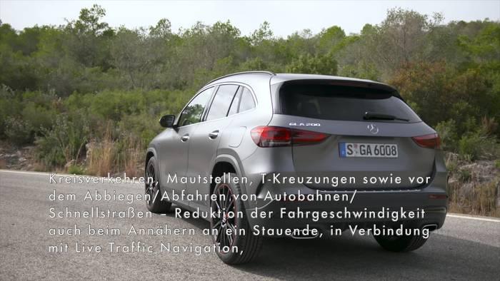 Video: Der neue Mercedes-Benz GLA - Das Verkehrsumfeld im Blick- die Fahrassistenzsysteme
