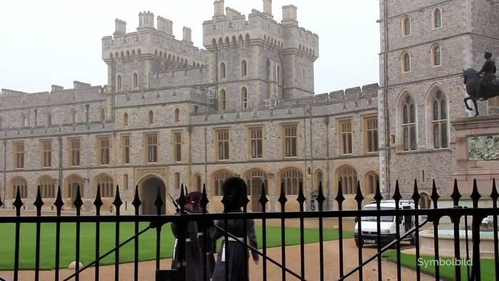 Video: Queen zeigt sich erstmals seit Monaten im Freien