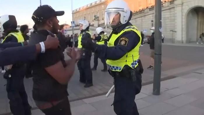 Video: Stockholm: Solidarität mit Floyd und Jagdszenen