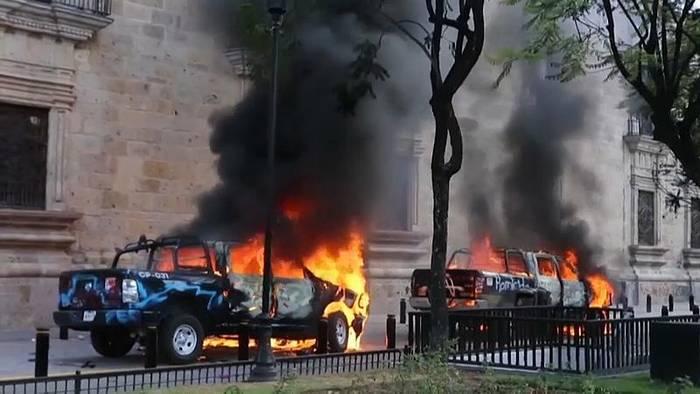 News video: Mexiko: Ausschreitungen nach Tod eines Demonstranten in Polizeigewalt
