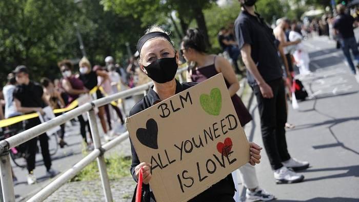 News video: Deutschland: Tausende protestieren wieder gegen Rassismus und Antisemitismus