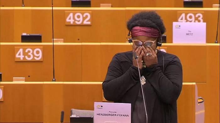 News video: Video: Deutsche EU-Abgeordnete wirft belgischen Polizisten Gewalt vor