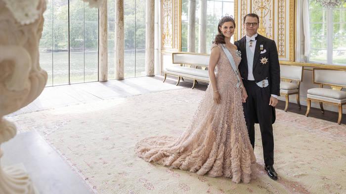 Video: Victoria und Daniel von Schweden feiern 10. Hochzeitstag