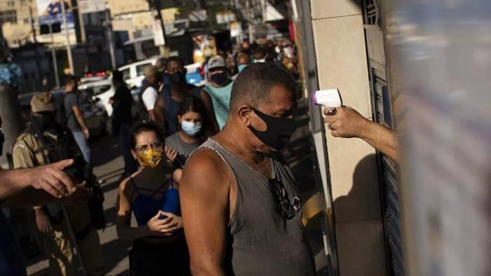 Video: Trauriger Rekord: Brasilien verzeichnet über eine Million Covid-19-Infizierte
