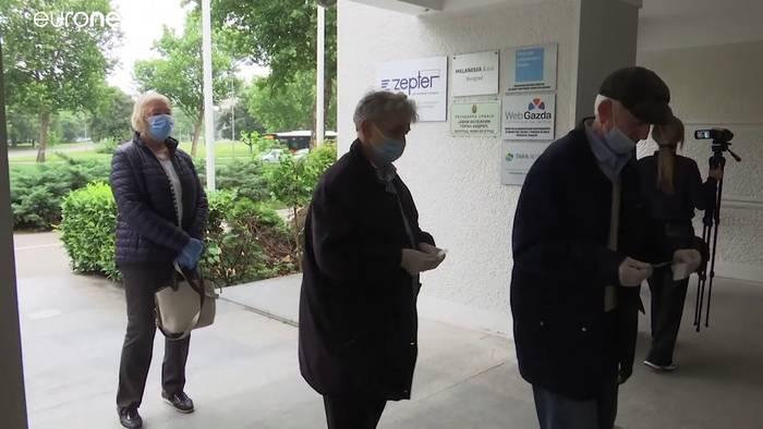 Video: Wahl hat begonnen - Opposition boykottiert Abstimmung teilweise