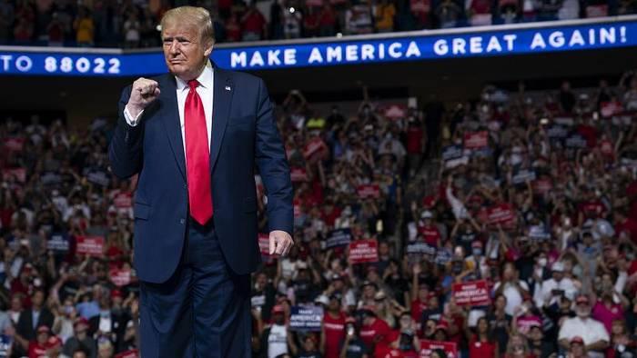 News video: Im Umfragetief: Trumps Wahllkampfauftakt in Tulsa