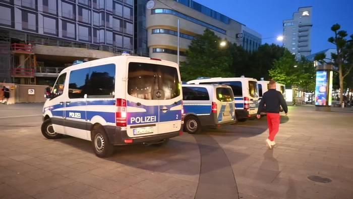 Video: Nach der Chaos-Nacht in Stuttgart beginnt die Ursachensuche