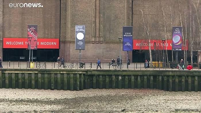 Video: 15 Jahre Haft: Er stieß Kind in die Tiefe in Tate Modern