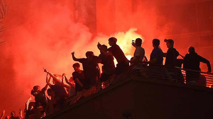News video: Straßenfeiern: Liverpool-Fans pfeifen auf Corona-Auflagen