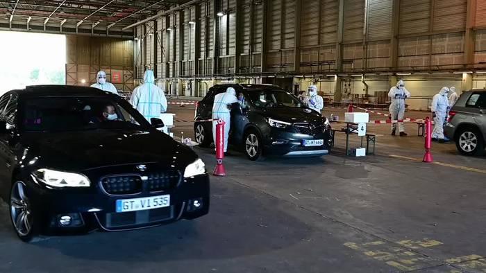 Video: Corona: Kreis Gütersloh bietet kostenlose Drive-In-Tests