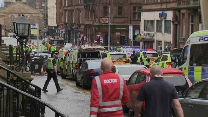 News video: Messerstecherei in Glasgow: Polizist unter den 3 Toten