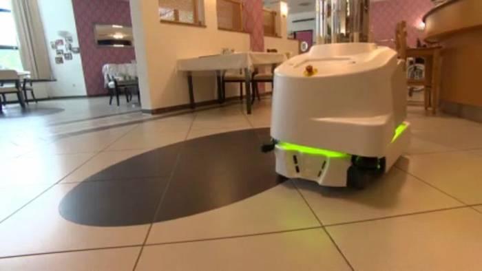Video: Wo Roboter gegen Viren kämpfen
