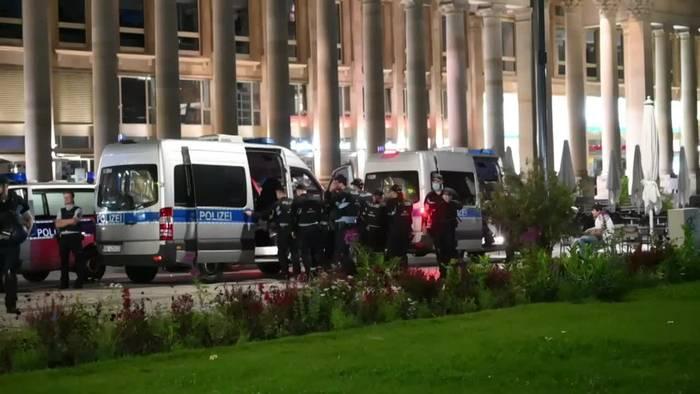 Video: Massive Polizeipräsenz in Stuttgart gegen neue Krawalle