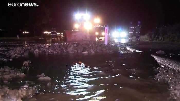 Video: Überschwemmungen in Österreich und Bayern - Unwettergefahr steigt