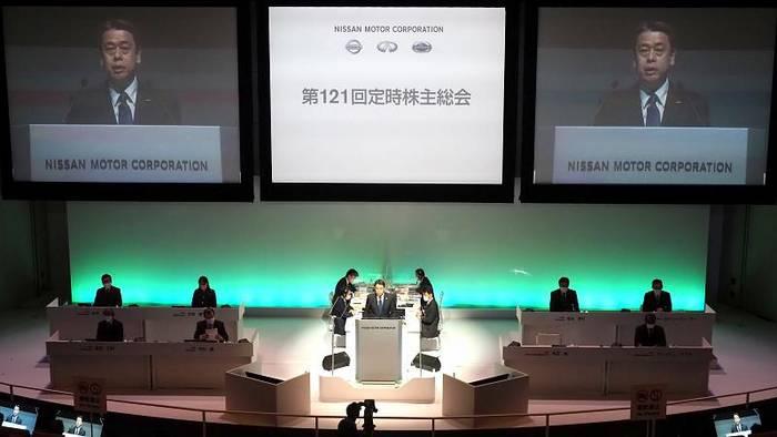 News video: Nissanchef entschuldigt sich und kürzt sein Gehalt