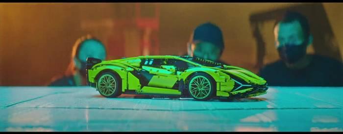 News video: Automobili Lamborghini und die LEGO Gruppe bauen den Lamborghini Sián FKP 37
