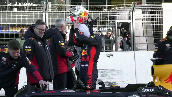 News video: Formel 1 startet in Spielberg durch: Hamilton peilt Schumacher-Rekord an