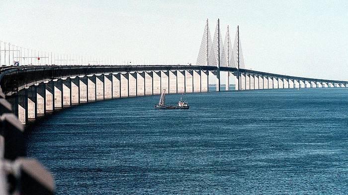 Video: 20 Jahre Öresundbrücke: Geburtstagsständchen von Lukas Graham