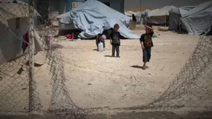 News video: ISIS-Kinder europäischer Eltern kehren langsam aus Flüchtlingslagern zurück.
