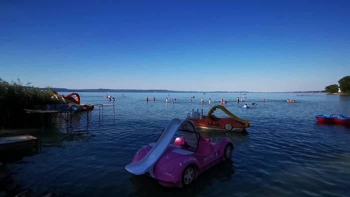 Video: Erste Urlauberwelle am Balaton!