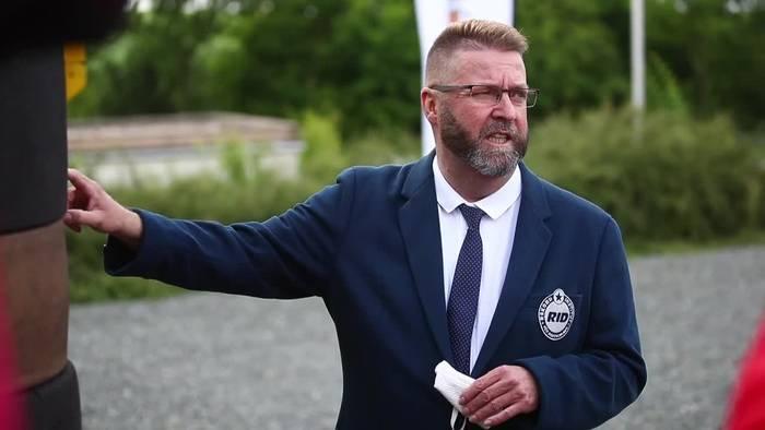 News video: Verein holt Weltrekord im Reifenstapeln nach Thüringen