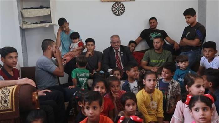 Video: Dieser Mann hat 42 Kinder und über 300 Enkelkinder