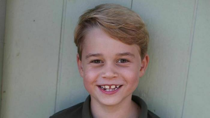 Video: Prinz George: Süße Bilder zum 7. Geburtstag