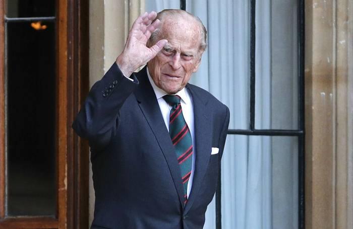 News video: Prinz Philip überträgt sein Amt des Regimentschefs auf die Herzogin von Cornwall