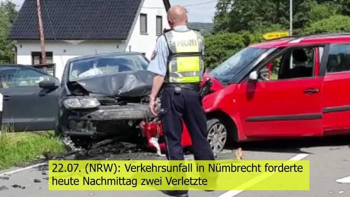 Video: Schwerer Verkehrsunfall! PKW von Mutter und Kind übersehen!