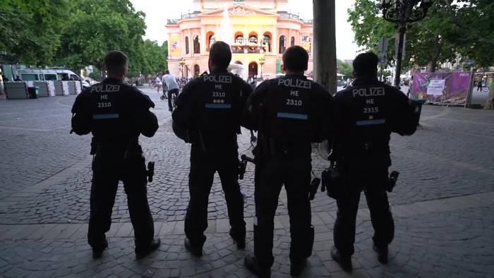 News video: Friedliche Nacht auf Frankfurter Opernplatz