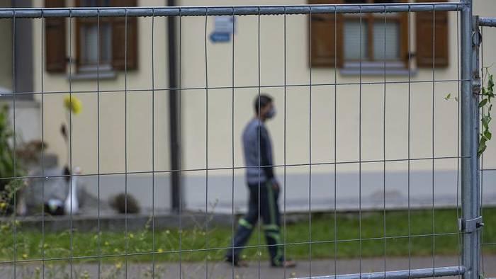 News video: Angst vor der zweiten Welle: 174 Erntehelfer in Bayern infiziert