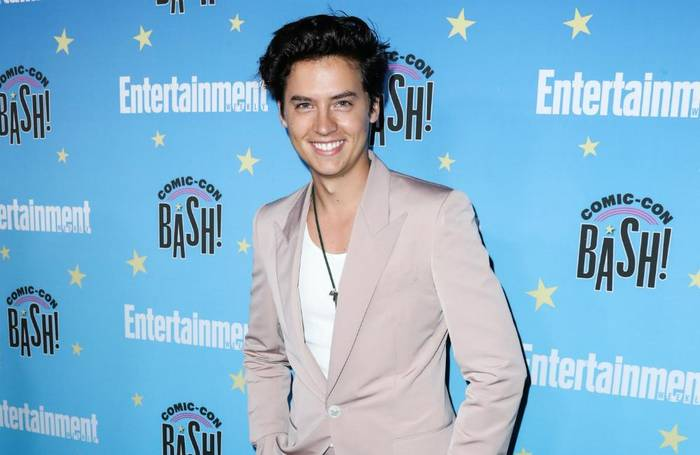 News video: Cole Sprouse fand Social Media inmitten des Lockdowns anstrengend
