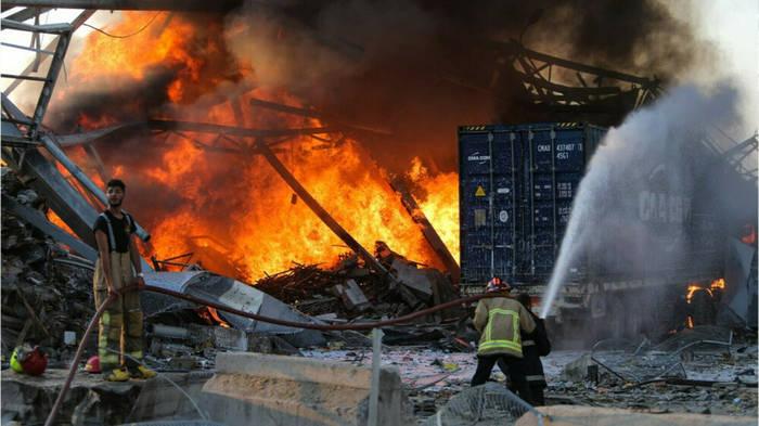News video: Hunderte Verletzte: Gewaltige Explosion erschüttert Beirut