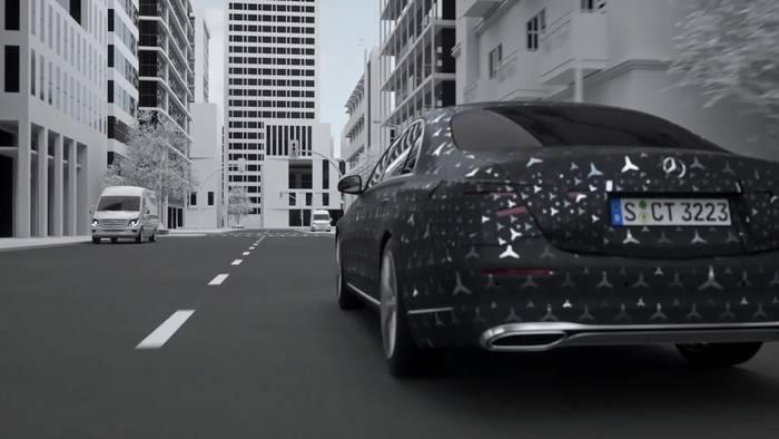 "News video: Meet the S-Class DIGITAL - ""Innovation by Intelligence"" - Fahrvergnügen auf höchstem Niveau"