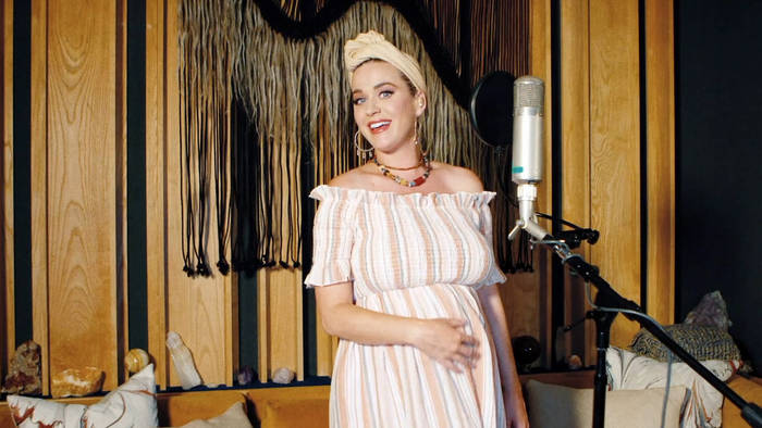 News video: Katy Perry verteidigt Ellen DeGeneres