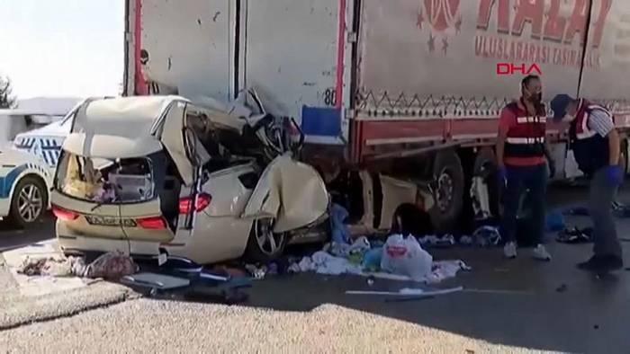 News video: Schock: 5-köpfige Familie von Taxifahrer aus Oldenburg bei Ankara verunglückt