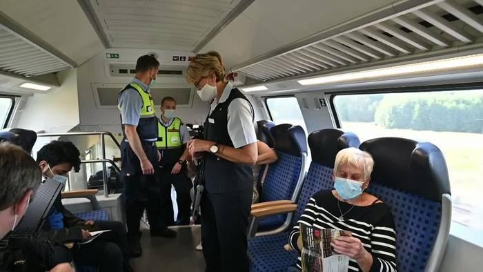 News video: Berlin: Bundespolizei und Bahn setzen Maskenpflicht durch