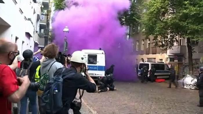 """News video: Berlin: Kampf um das """"Syndikat"""" - Gewalt bei Zwangsräumung"""