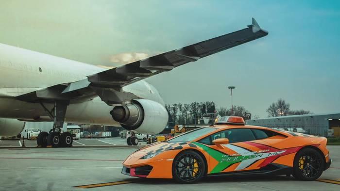 News video: Lamborghini Huracán RWD als Follow-Me Car am Flughafen Bologna