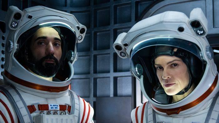 News video: Netflix schießt Hilary Swank auf den Mars! Erster Trailer zu