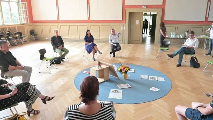 Video: In Berlin startet die Schule ohne Abstandsregel