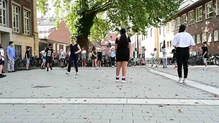 News video: «Nervig aber wichtig»: Schulstart in NRW mit Maskenpflicht