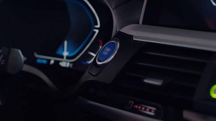 Video: BMW: Filmkomponist Hans Zimmer macht Sounds für E-Autos