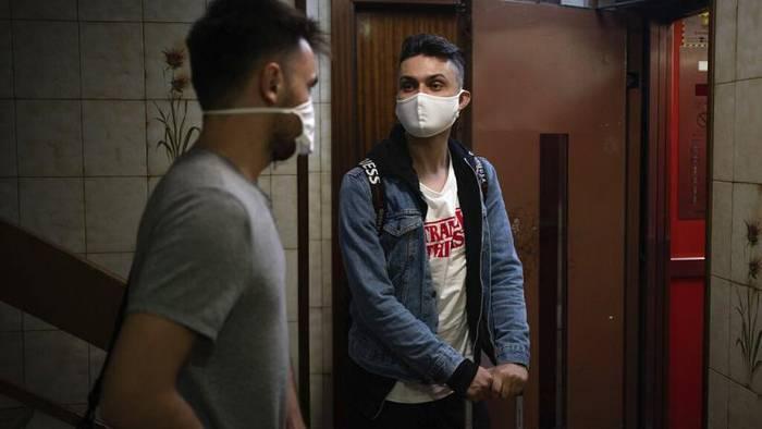 News video: Jung & an Covid-19 erkrankt: Guillermo (28) leidet seit 4 Monaten