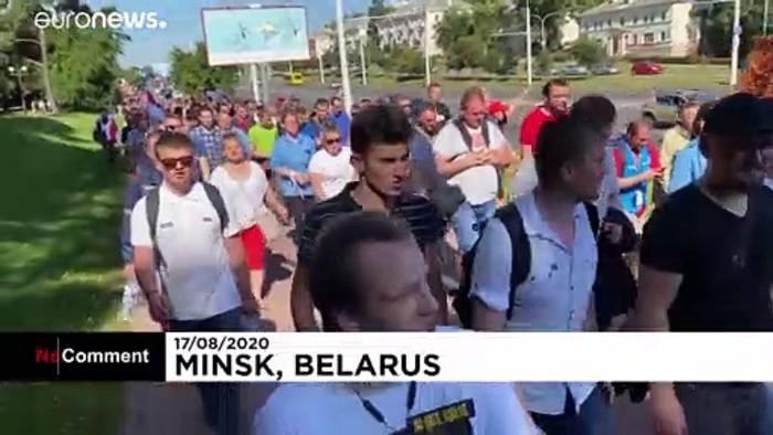 Video: Minsk: Tausende Arbeiter treten in Generalstreik