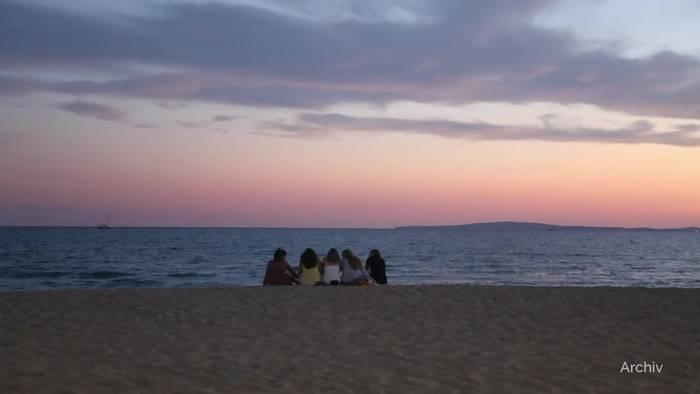 News video: Nach Reisewarnung: Auf Mallorca gehen viele Lichter aus