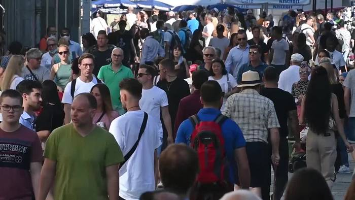 Video: Hitzeperiode in Deutschland endet