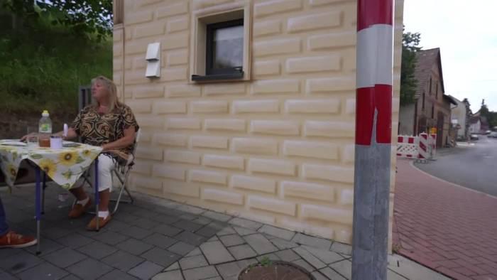 News video: Kaum Platz, viel Komfort: Leben im 14-Quadratmeter-Stromhaus